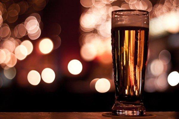 Стакан свежего пива